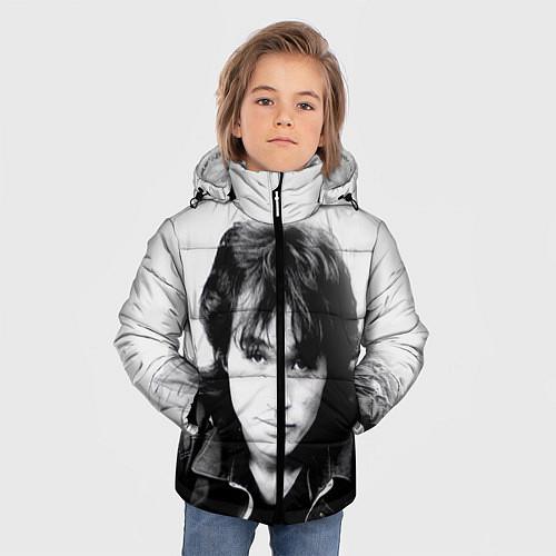 Зимняя куртка для мальчика Кино: Виктор Цой / 3D-Черный – фото 3