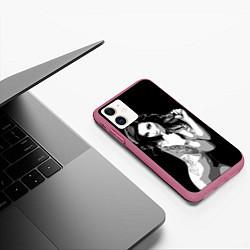 Чехол iPhone 11 матовый Sexy Girl: Black & White цвета 3D-малиновый — фото 2