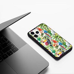 Чехол iPhone 11 Pro матовый Попугаи в тропиках цвета 3D-черный — фото 2