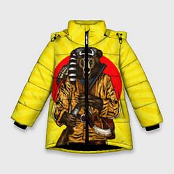 Куртка зимняя для девочки Медведь охотник цвета 3D-черный — фото 1
