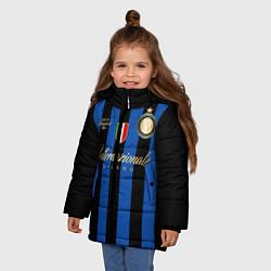 Детская зимняя куртка для девочки с принтом Internazionale Milano, цвет: 3D-черный, артикул: 10174520506065 — фото 2
