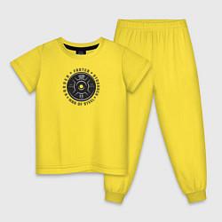 Пижама хлопковая детская Супермен цвета желтый — фото 1