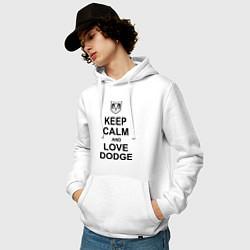 Толстовка-худи хлопковая мужская Keep Calm & Love Dodge цвета белый — фото 2
