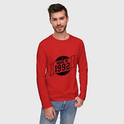 Лонгслив хлопковый мужской Made in 1992 цвета красный — фото 2