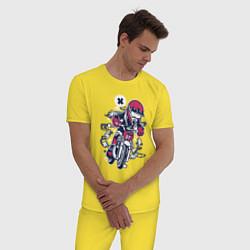 Пижама хлопковая мужская Уличный мотоциклист цвета желтый — фото 2
