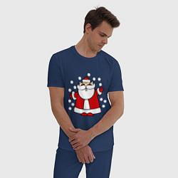 Пижама хлопковая мужская Дед мороз в снегу цвета тёмно-синий — фото 2