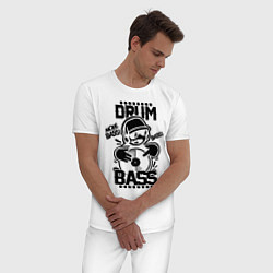 Пижама хлопковая мужская Drum n Bass: More Bass цвета белый — фото 2
