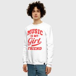 Свитшот хлопковый мужской Music is my girlfriend цвета белый — фото 2