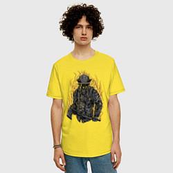 Футболка оверсайз мужская Пылающий пожарный цвета желтый — фото 2