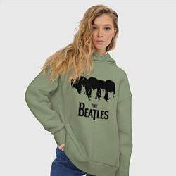 Толстовка оверсайз женская The Beatles: Faces цвета авокадо — фото 2