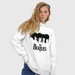 Толстовка оверсайз женская The Beatles: Faces цвета белый — фото 2