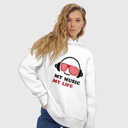 Толстовка оверсайз женская My music my life цвета белый — фото 2