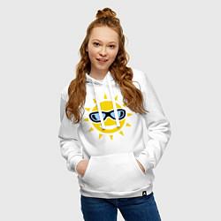 Толстовка-худи хлопковая женская Солнышко в очках цвета белый — фото 2