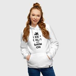 Толстовка-худи хлопковая женская Keep Calm & Swim On цвета белый — фото 2