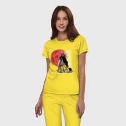 Пижама хлопковая женская Темный всадник цвета желтый — фото 2