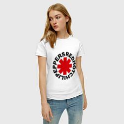 Футболка хлопковая женская Red Hot Chili Peppers цвета белый — фото 2