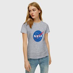 Футболка хлопковая женская NASA: Logo цвета меланж — фото 2